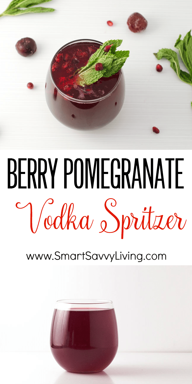 Berry Pomegranate Vodka Spritzer Recipe | This easy Christmas drink recipe is so festive looking for xmas, not to mention super quick to make.