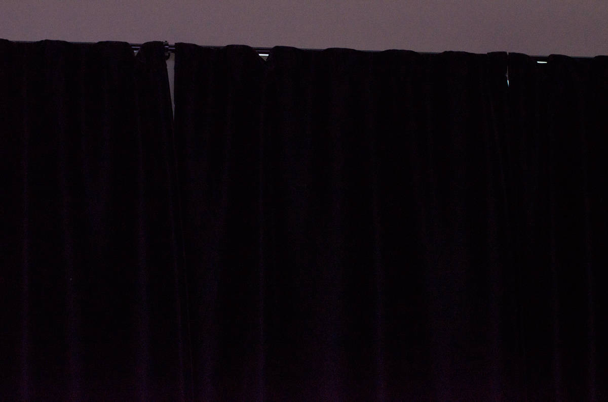 DIY-Customizable-Media-Room-Lighting---Blackout-curtains