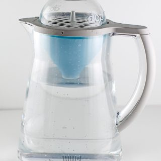 EveryDrop-PopOut-Filter-&-Pitcher---in-pitcher