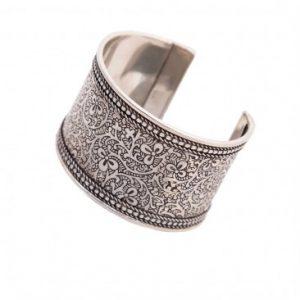 cuff-bracelet-india_d4041975